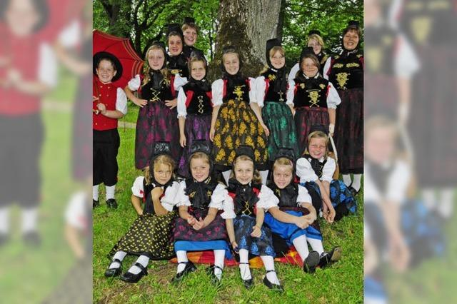 Line Dance in Tracht