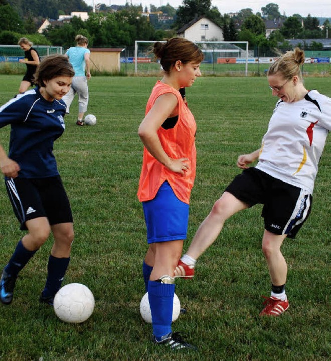 Training mit Spaß: Die Frauen des FC H...ichtlich in die neue Saison gestartet   | Foto: Maja Tolsdorf