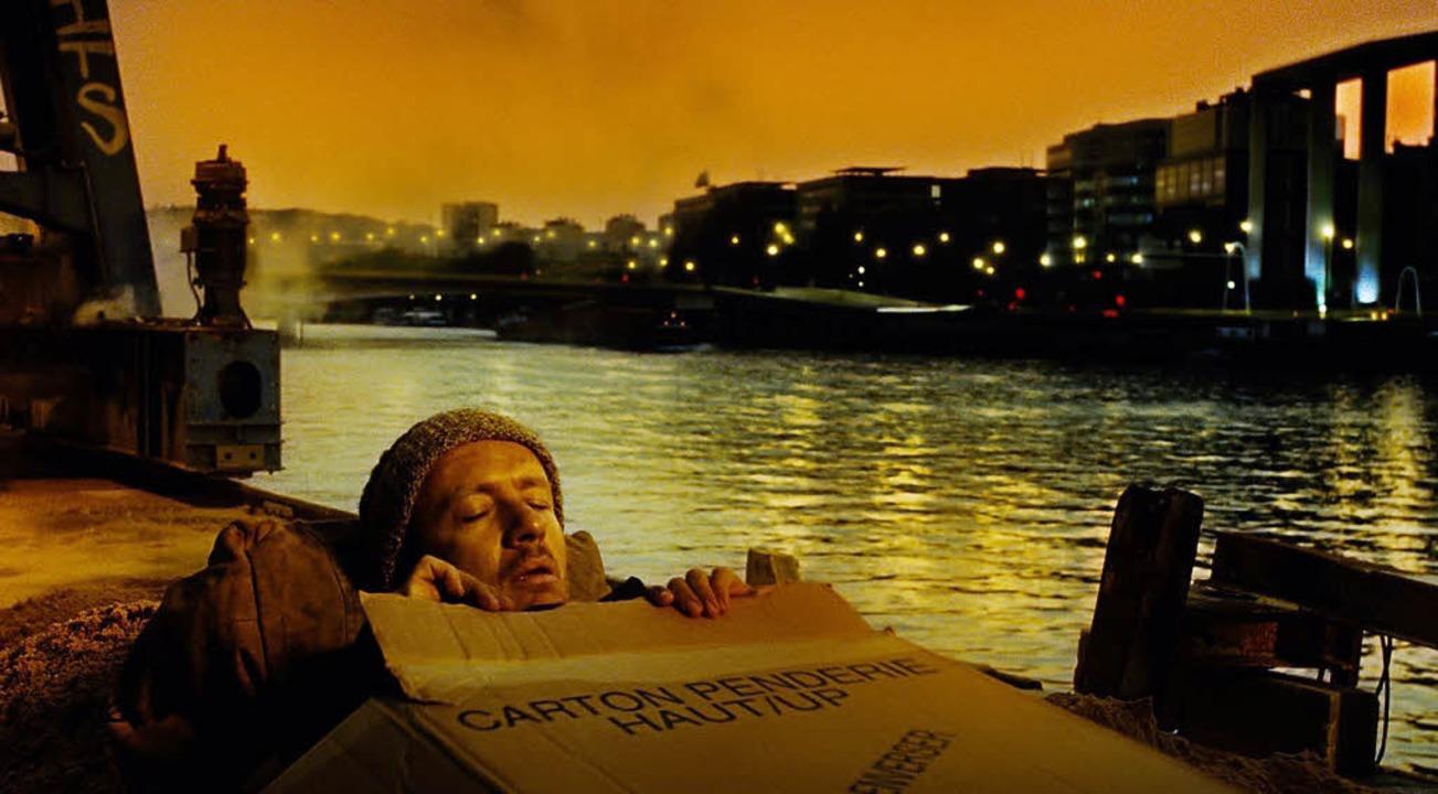 Kugel im Kopf, Rache im Sinn: Dany Boon als melancholischer Held Bazil   | Foto: Kinowelt