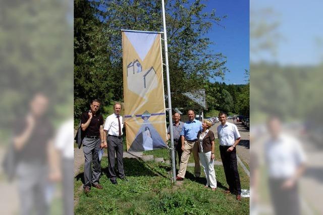 Landkreis zeigt in Wutach Flagge