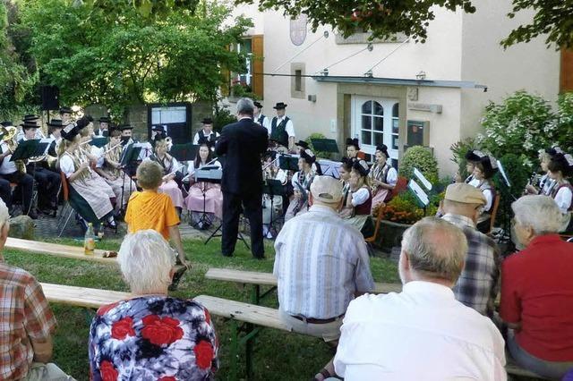 Vorplatz des Rathauses eignet sich für Konzerte