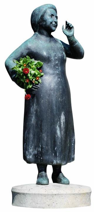 Bronzene Liesl: Karlstadt-Brunnen auf dem Münchner Viktualien-markt    Foto: steidel