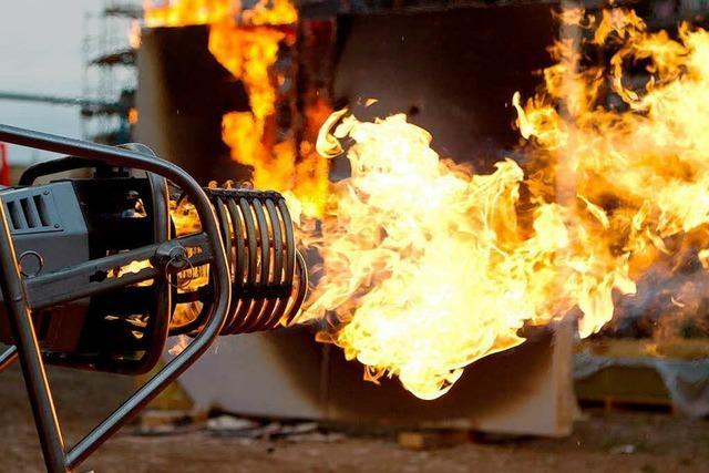 Brandversuch: Feuer frei im Rieselfeld