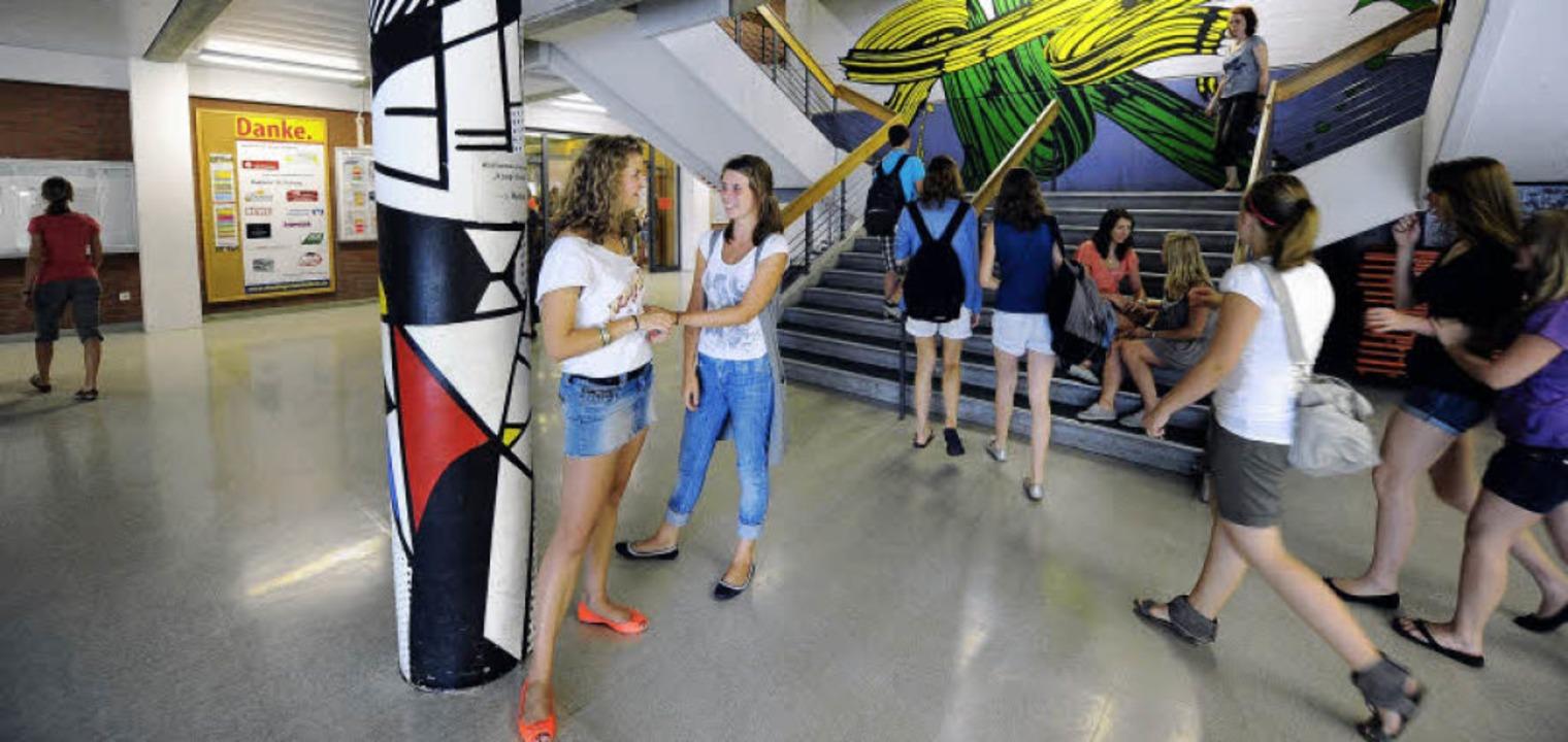 Lernort ohne Kastendenken und mit hoch...ztagsbetrieb: Staudinger Gesamtschule.  | Foto: Schneider