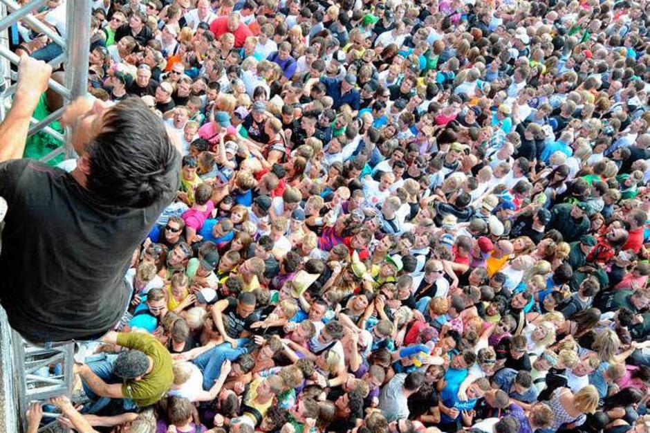 Die Loveparade in Duisburg mündete in eine Katastrophe (Foto: dpa)