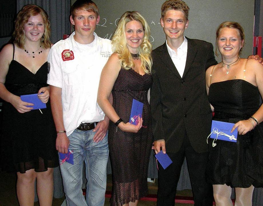 Fröhlich und stolz zugleich zeigten si...is und Jennifer Kehrer,  Sozialpreis.   | Foto: mario schöneberg