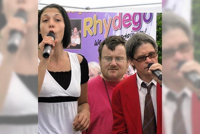 Beim Singen halfen alle richtig gut mit