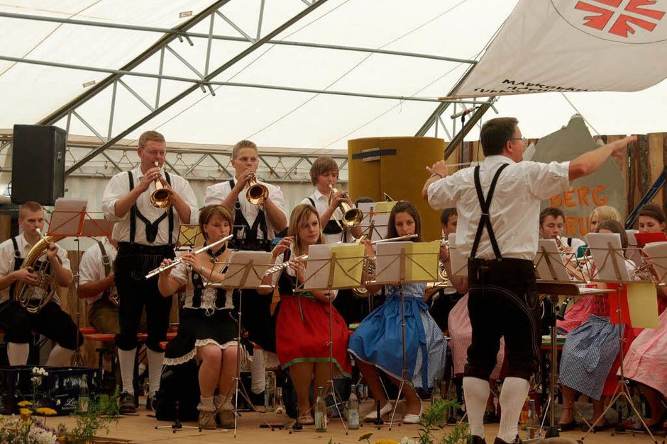 Die Trachtenkapelle Dachsberg unterhielt die Gäste am Sonntag mit ihrem Frühschoppenkonzert. (Foto: Karin Stöckl-Steinebrunner)