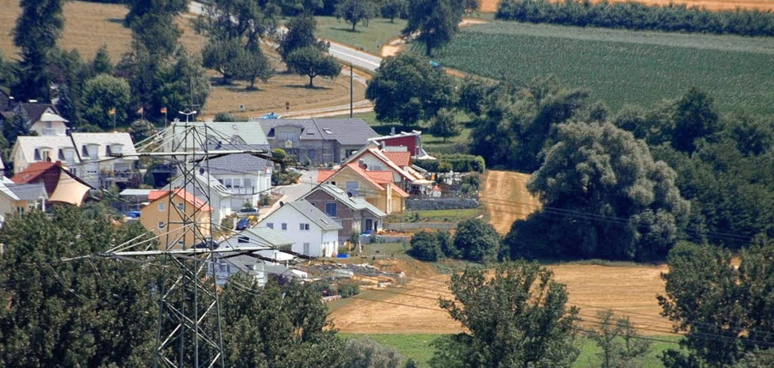 Nach dem Willen des Gemeinderates, sol... etwas Abstand zu den Häusern halten.   | Foto: Frey