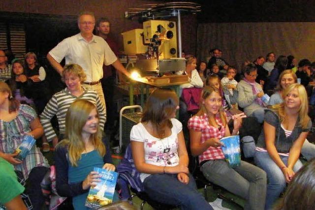 Viele Besucher genießen die Bonndorfer Kinonacht