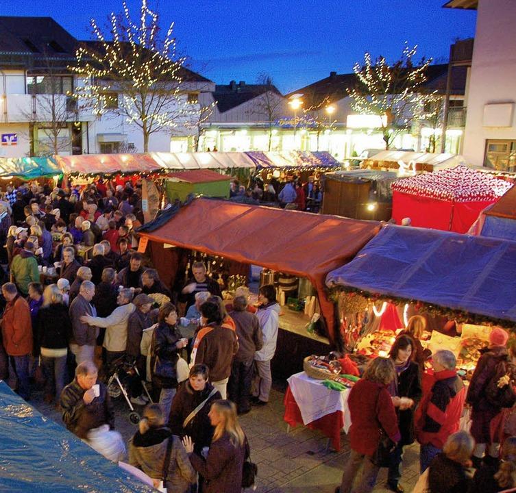 Weihnachtsmarkt Anfang.Weihnachtsmarkt In Einer Halle Efringen Kirchen Badische Zeitung