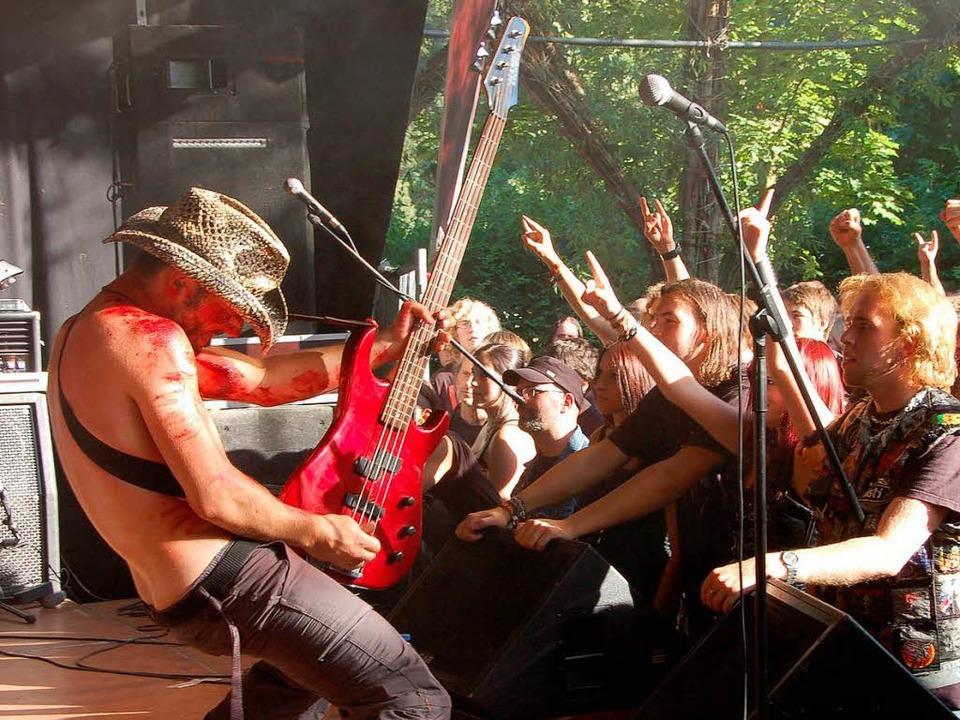 Death Metal unter Weiden: Debauchery   | Foto: Michael Reich