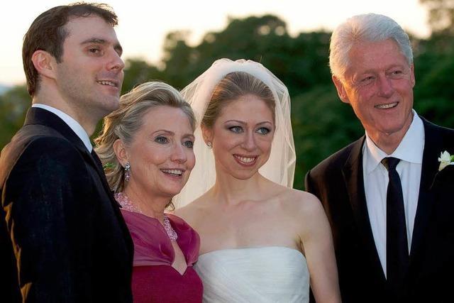 Schlicht und strahlend: Hochzeit bei Clintons