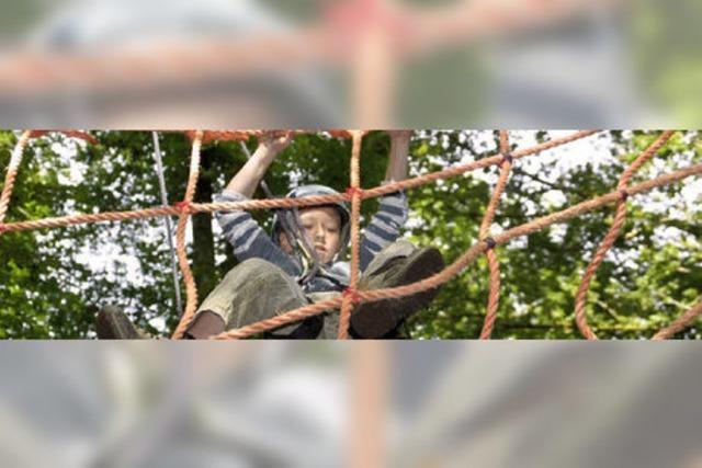 Kinder hingen mächtig in den Seilen