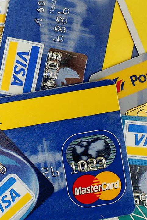 Hat in Skandinavien Münzen und Scheine ersetzt: Karten  | Foto: DDP