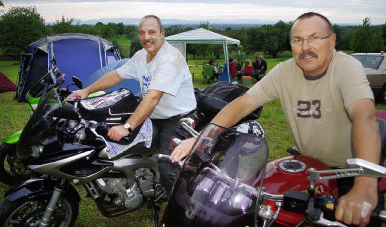 Freuen sich aufs Motorradtreffen: die ...tin Ehret (links) und Harald Ziegler.   | Foto: barbara röderer