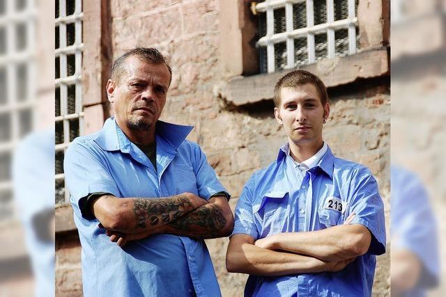 Zwei Ex-Knackis kehren für Dreharbeiten ins Gefängnis zurück