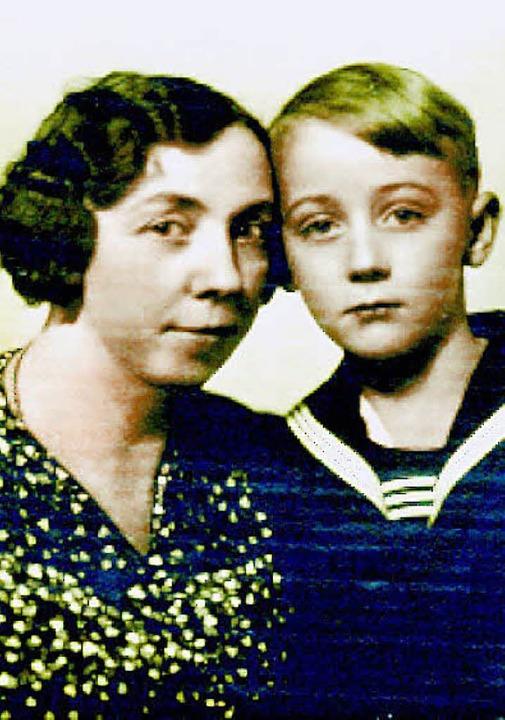 Tagebuchsommer 2010. Hellmuth Gittinger mit seine Mutter  | Foto: DTA/privat