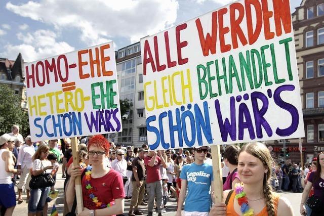 Trauschein: Warum kosten Homo-Ehen im Land mehr?