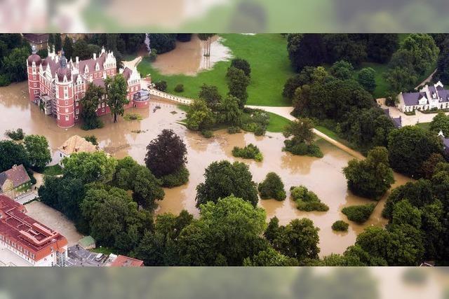 Neiße-Hochwasser: Aufräumen und entschlammen
