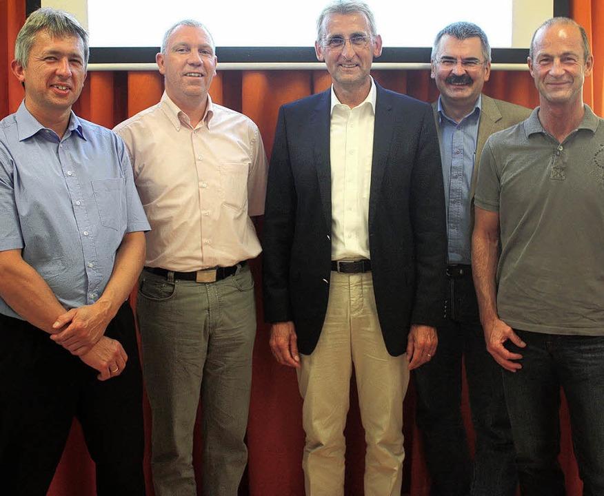Abgeordneter in Steinen (von links):  ...huster, Thilo Merkt und Jürgen Roesch.  | Foto: Heiner Fabry