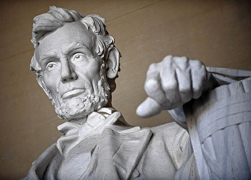 In Stein gemeißelt: Abraham Lincoln, 1...acht über das Treiben der Hauptstadt.   | Foto: afp/dpa