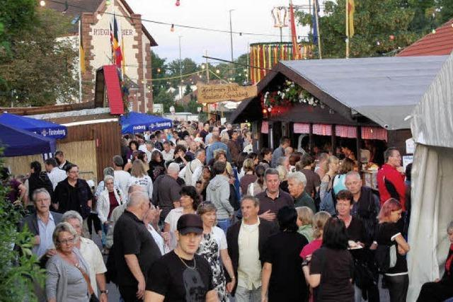 Latschari eröffnen das Trottoirfest