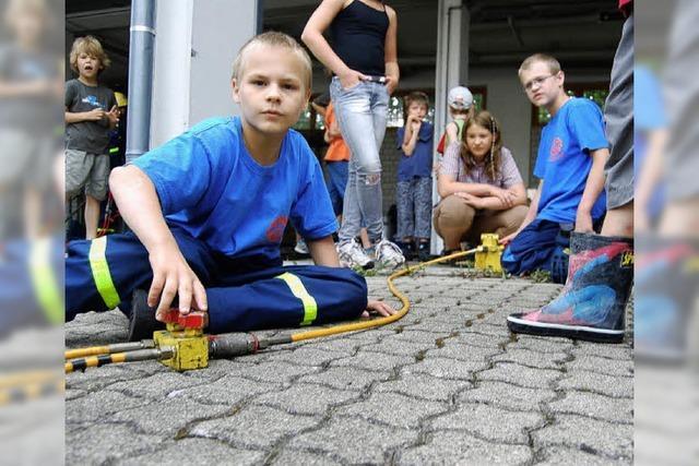 Bohrhammer bringt Kinder zum Beben
