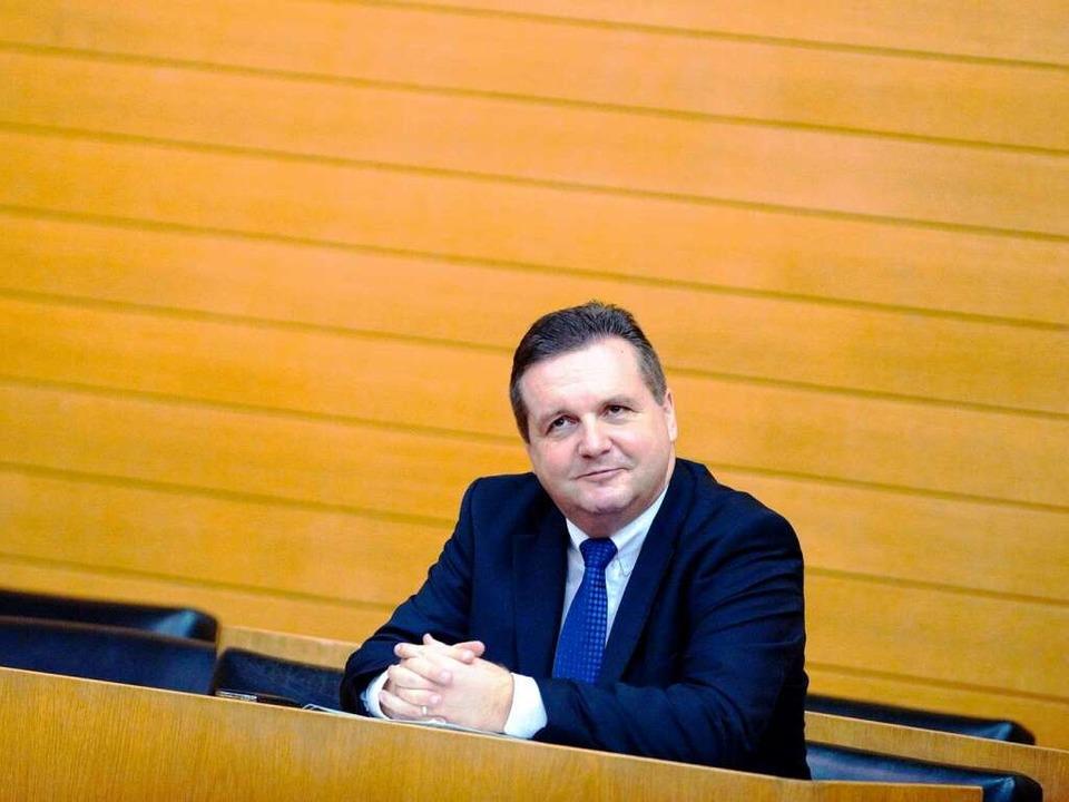 Ministerpräsident Stefan Mappus. Er so...auftrag nicht einbezogen gewesen sein.  | Foto: usage worldwide, Verwendung weltweit