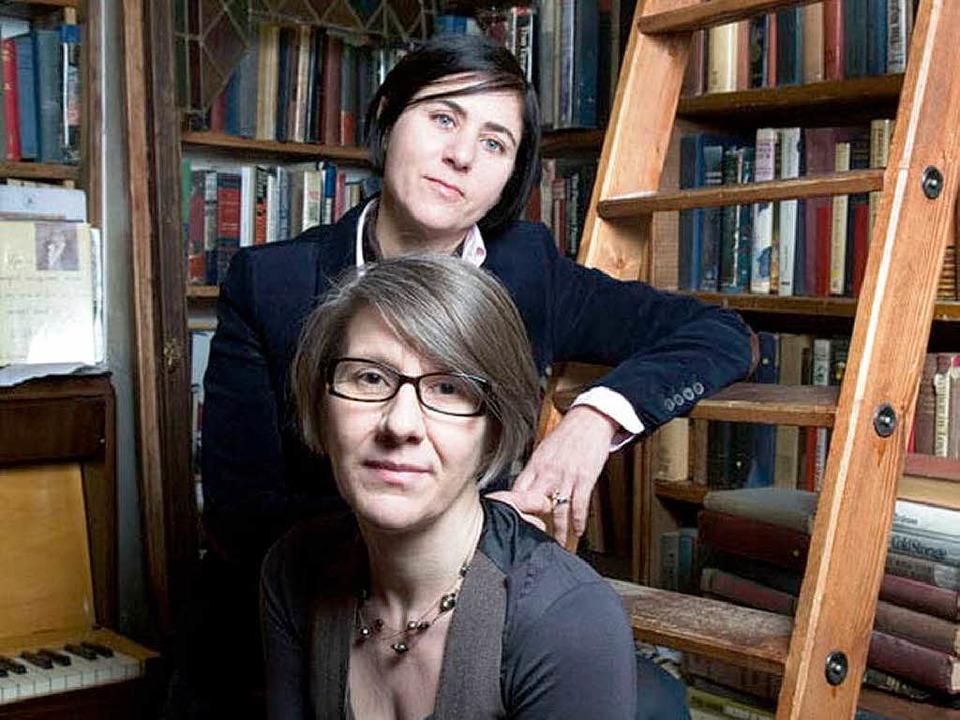 Die beiden Erfolgsautorinnen aus Straßburg  | Foto: Yury Toroptsov/Photo12