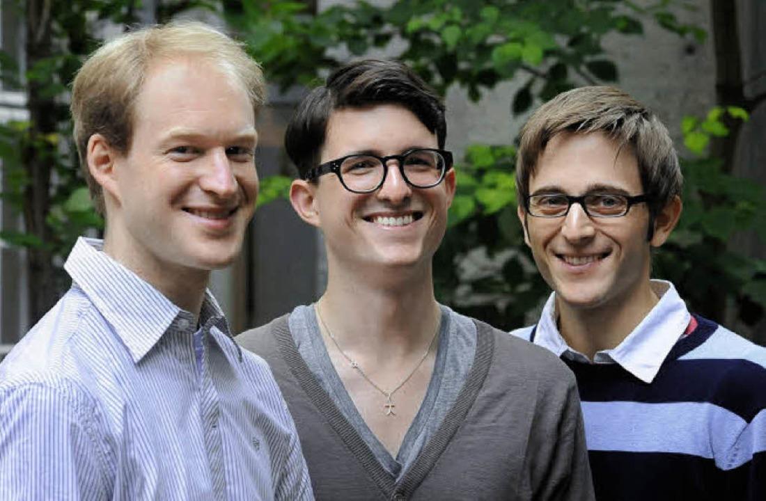 Pascal Fischer, Maximilian Brunn und S...dem Chor der Domsingschule nach Japan.  | Foto: kunz