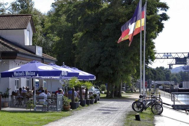Das Restaurant am Hafen des Yachtclubs ist mehr als ein Ausflugslokal