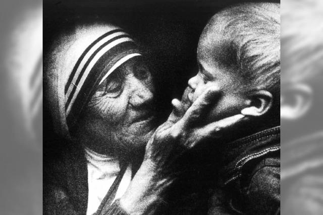 Mutter Teresa: Ein Engel in Strickjacke