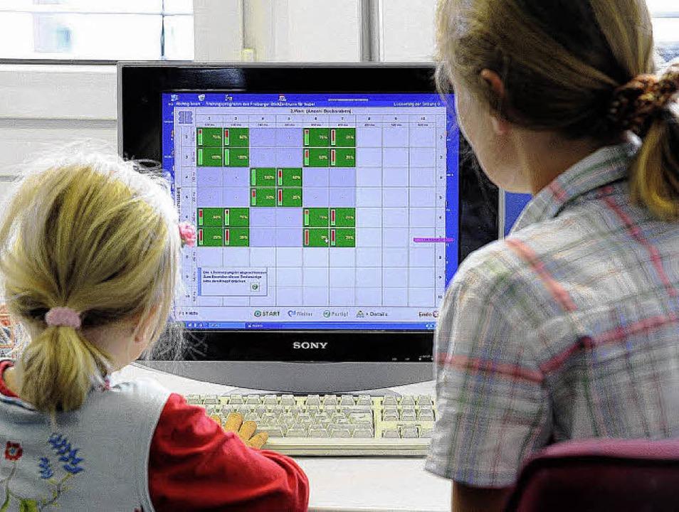 Ein Computerprogramm des Blicklabors: Lesen lernen   | Foto: Ingo Schneider