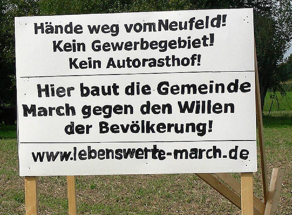 Um dieses Schild gibt es jetzt Streit.  | Foto: Mario Schöneberg