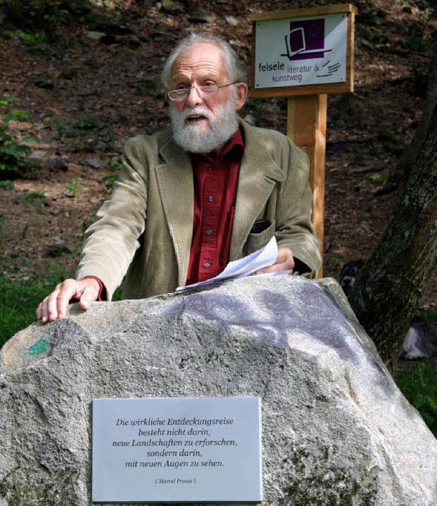 "Wulf Schmidt gestaltete den Eröffnungs...sele Erlebniswald"" in Neustadt.     Foto: Eva Korinth"