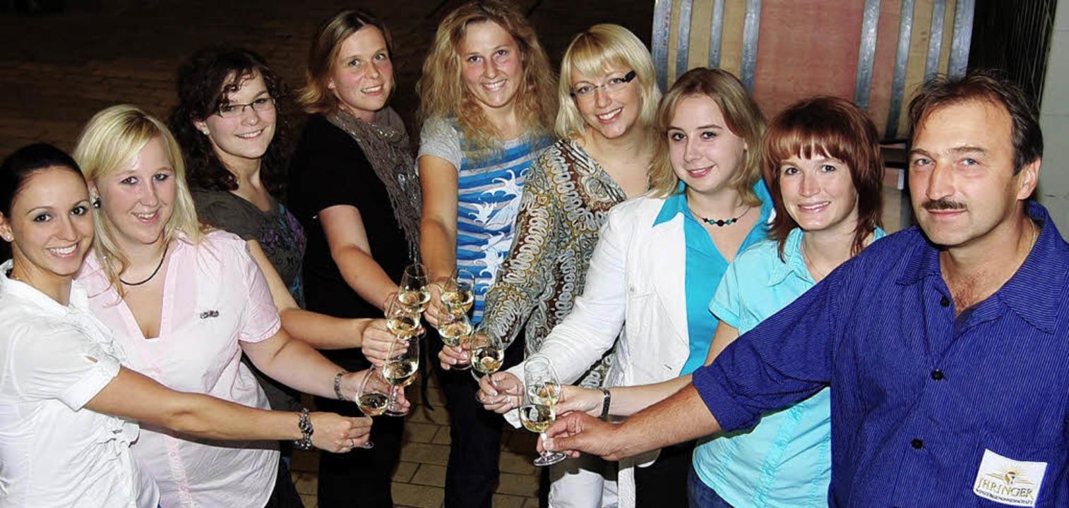 Ehemalige Weinprinzessinnen des Bereic...ssler, Kellermeister der WG Ihringen.   | Foto: Petra Littner