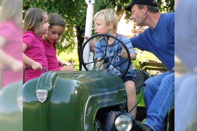 Abschlussfest mit Traktorfahren und anderem