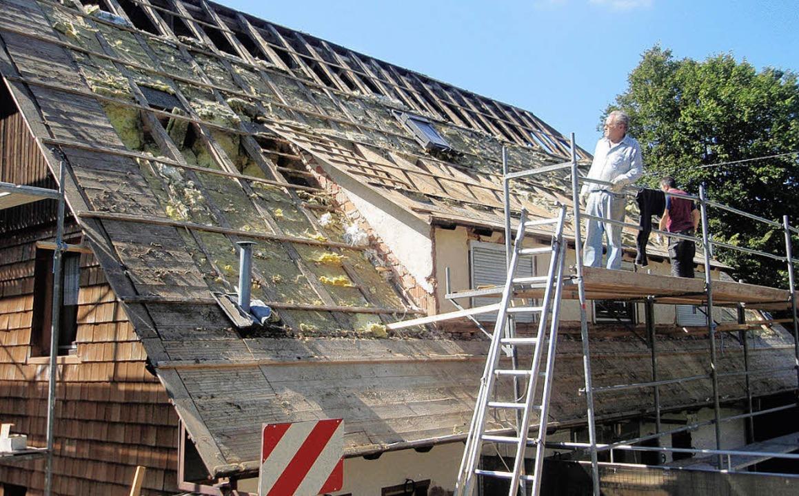 Dachsanierung Naturfreundehaus Lahr    Foto: BZ