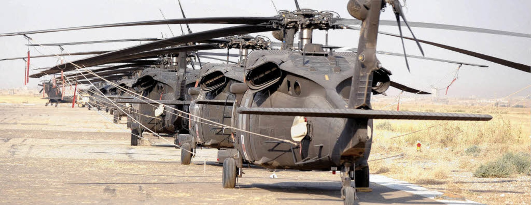 70 solche Hubschrauber vom Typ Black H...ager Masar-I-Scharif der Bundeswehr.    | Foto: ddp
