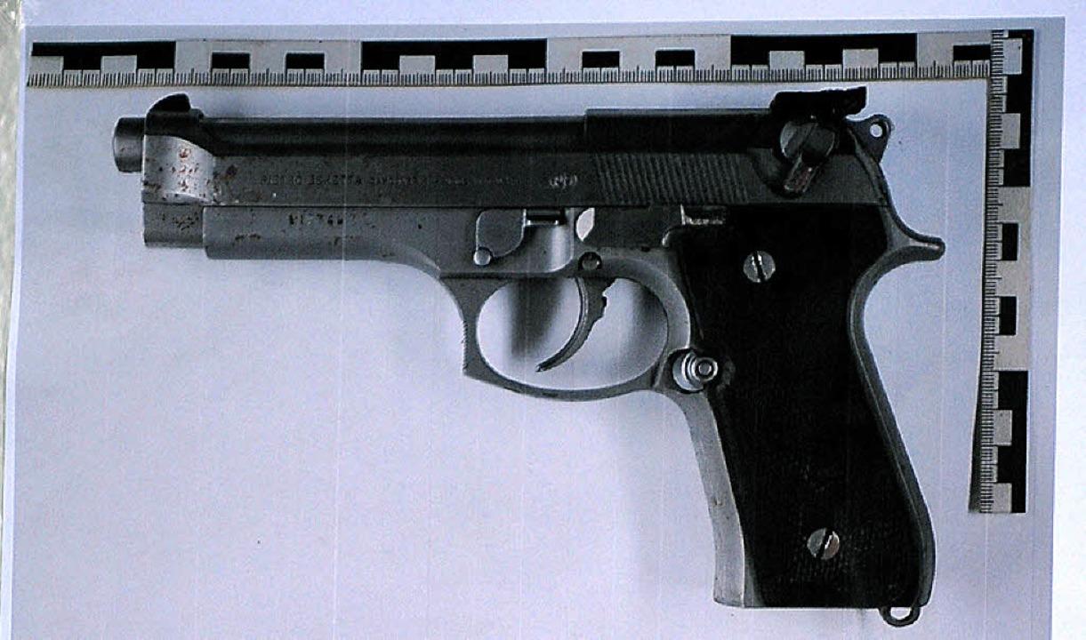 Die Waffe, die den Tod brachte    Foto: dpa