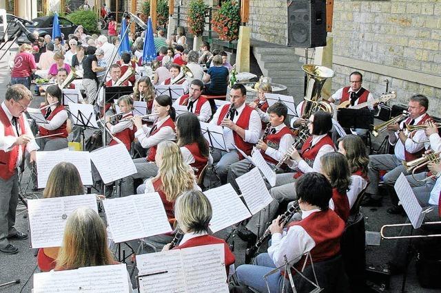 Herbstfest der Winzerkapelle Oberrotweil war gut besucht