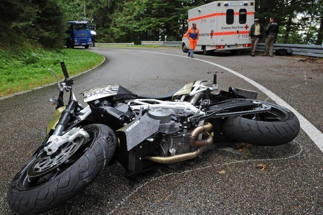 Motorradunfall am Schauinsland – zwei Schwerverletzte