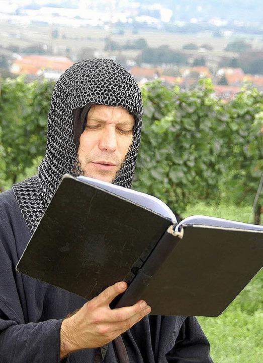Theodorich erzählt Geheimnisse rund um den Tuniberg.  | Foto: Simon Wennige