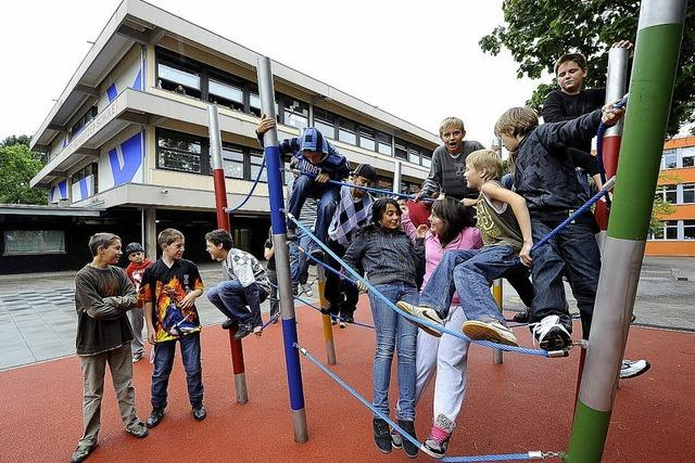 Neue Schulen gehen real ans Werk