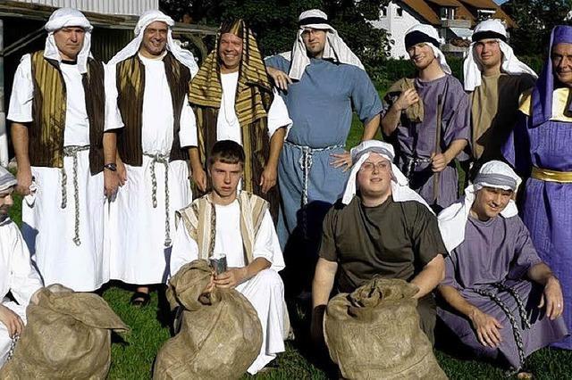 Fest mit Bibel und Turban