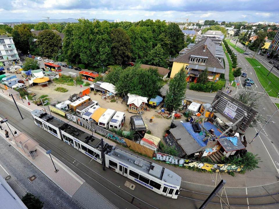 Auf dem Eingangsgelände ins Quartier Vauban soll ein Hotel entstehen.  | Foto: Ingo Schneider