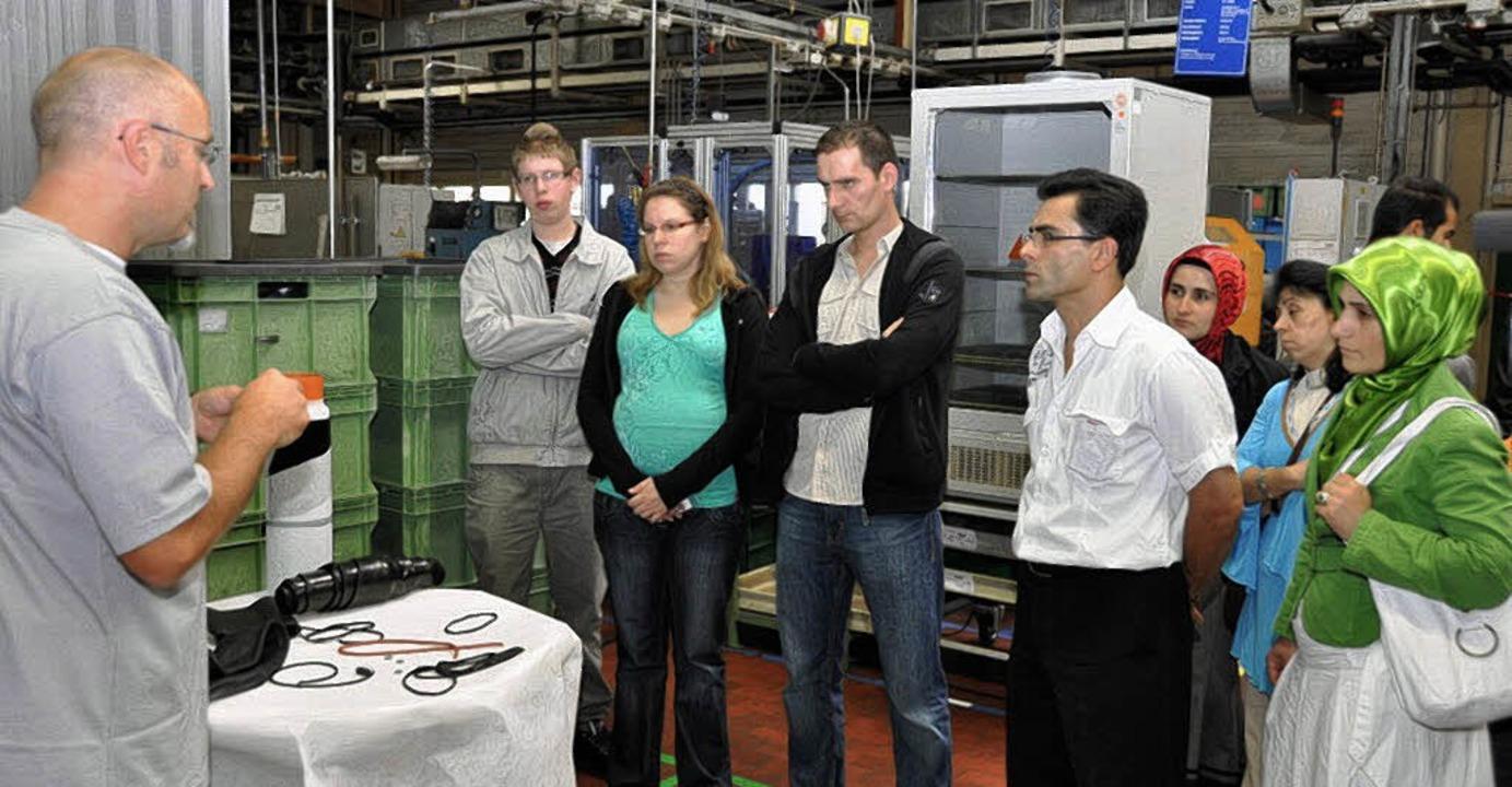 Interessantes erfuhren die Teilnehmer ...r Freudenberg O-Ring GmbH in Oberwihl.  | Foto: Kirsten Lux