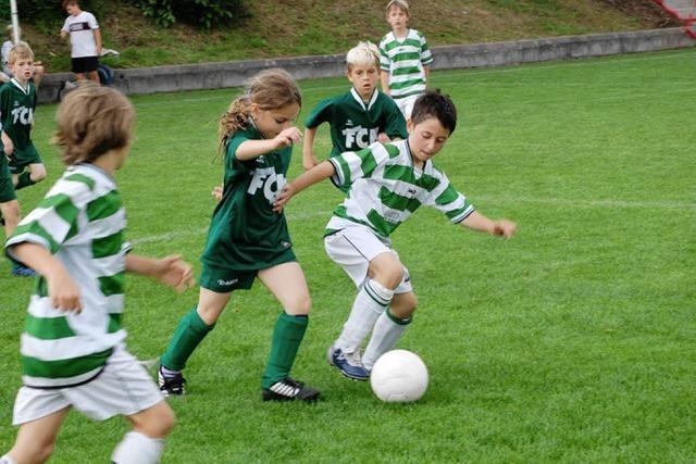 Kicken lernen beim FC Hausen