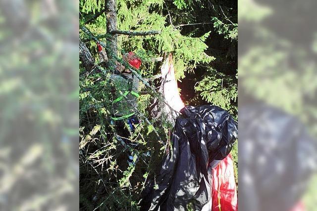 Gleitschirmflieger aus misslicher Lage befreit